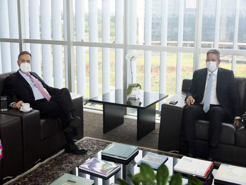 Barroso recebe Lira para discutir reforma eleitoral