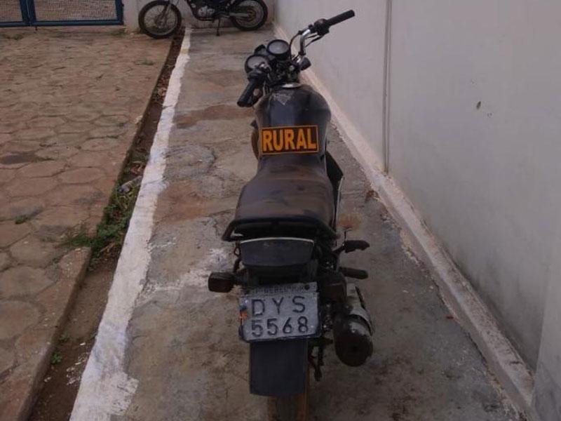 Livramento: Motocicleta com Restrição de Roubo/Furto é recuperada pela Polícia em Iguatemi