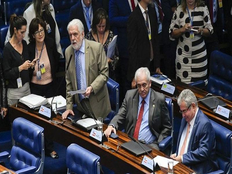 Senadores baianos votam contra MP do pente fino do INSS