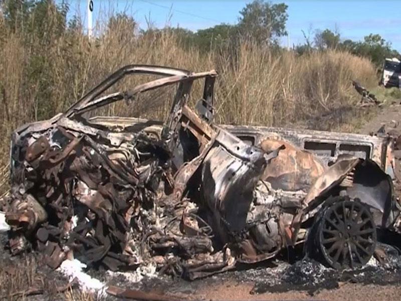 Uma pessoa morre após carro pegar fogo em batida na BR-242