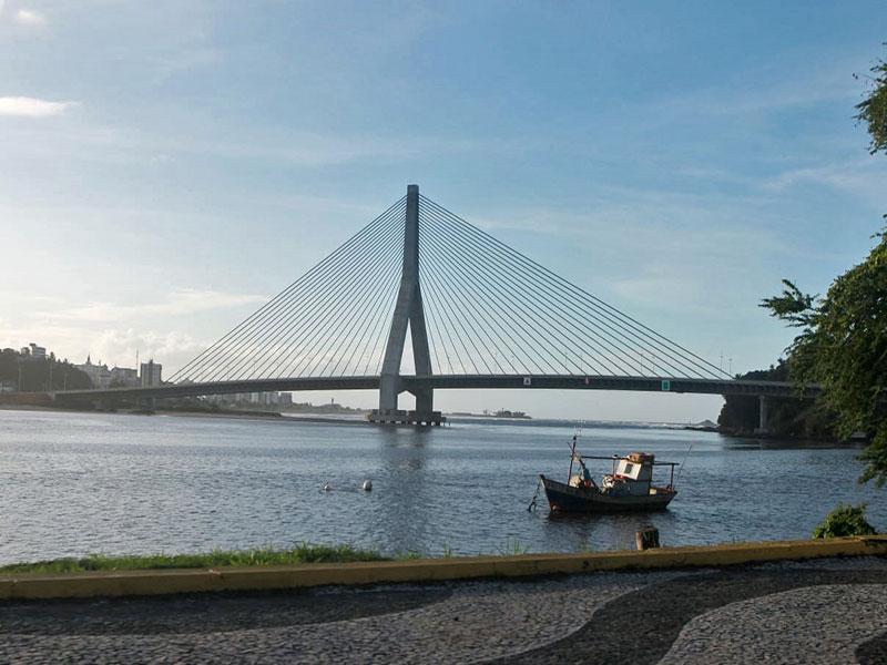 Primeira ponte estaiada da Bahia é entregue em Ilhéus
