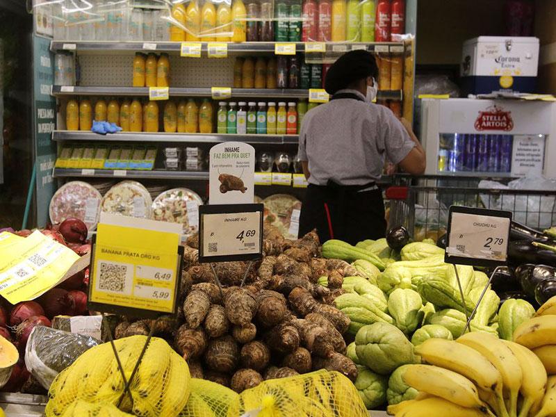 Inflação de famílias pobres é três vezes maior do que dos mais ricos