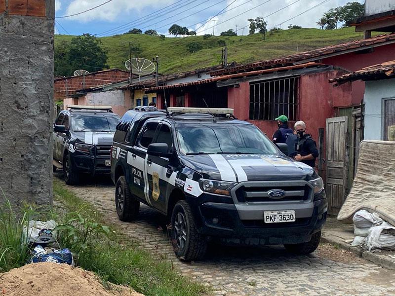 Dupla tem mandado cumprido por homicídios em Ipiaú