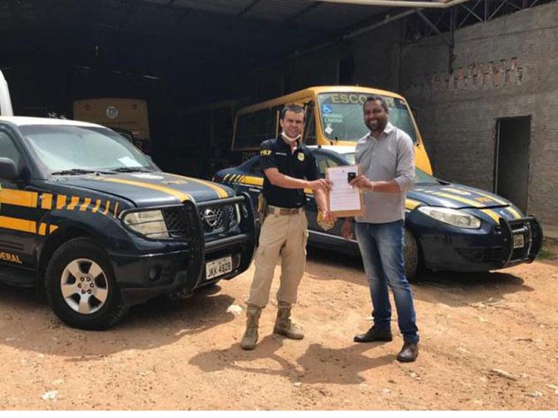Superintendência da PRF na Bahia faz doação de duas viaturas para a Prefeitura de Seabra (BA)