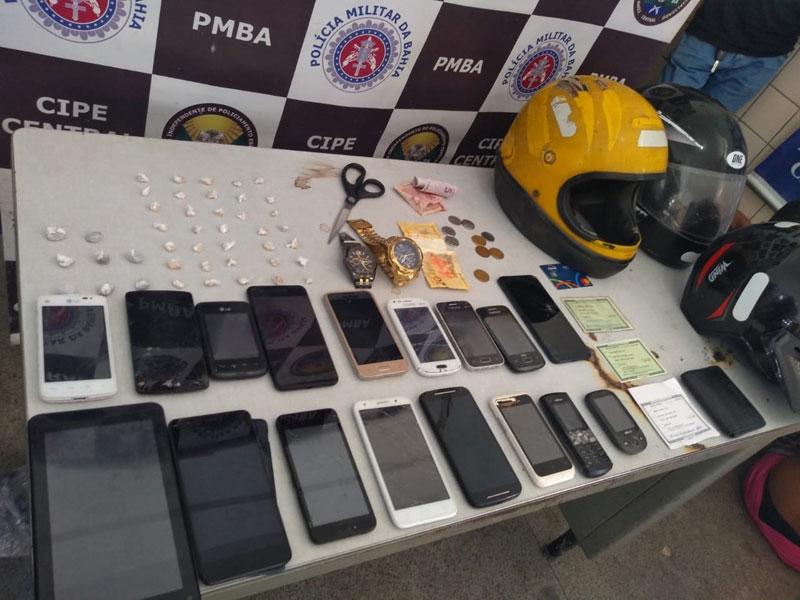 Jequié: Cipe Central prende assaltantes e recupera 16 celulares