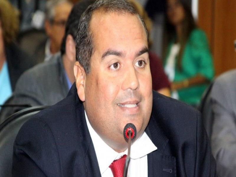 Sandro Regis defende que governo diminua tributação do querosene para fomentar turismo
