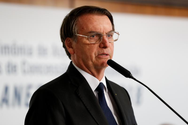 Bolsonaro diz que não tem como atender todos os parlamentares