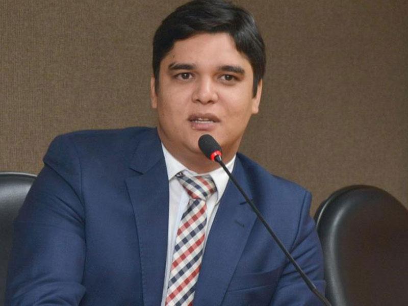 Vitor Bonfim defende melhorias em rodovia que dá acesso a Guanambi