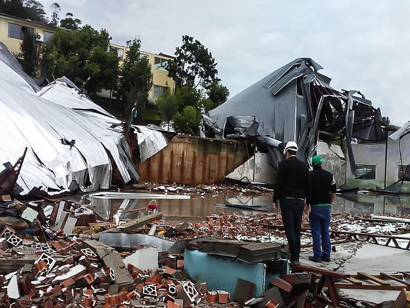 Bolsonaro vai sobrevoar região atingida por ciclone bomba