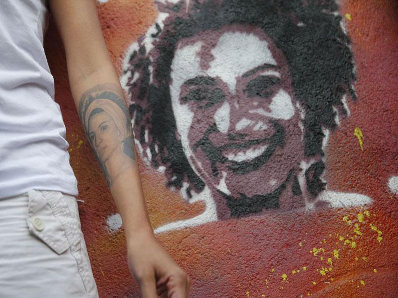 Polícia quer prender acusado de obstruir investigação da morte de Marielle