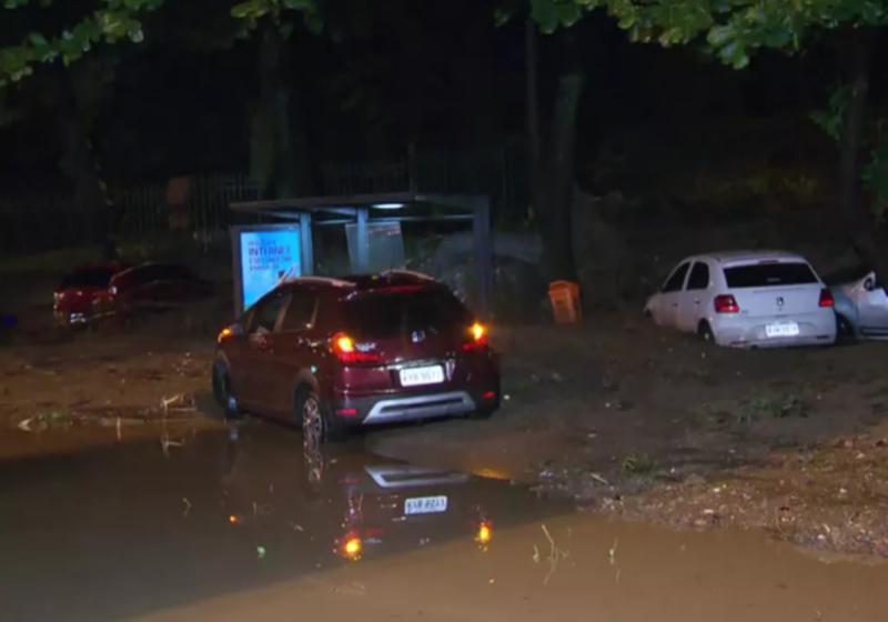 Chuva mata três pessoas no Rio de Janeiro