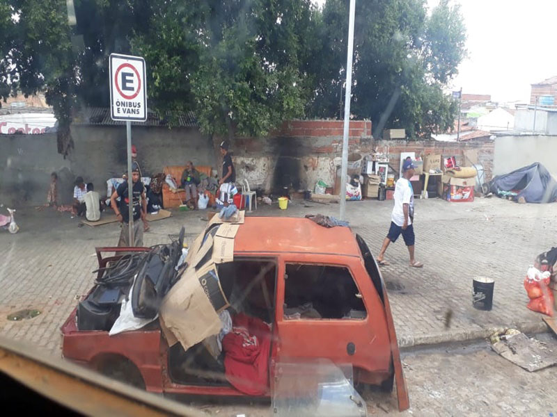 Negligência ou reflexo social?: área do Mercado Municipal de Brumado volta se tornar favela e mini cracolândia