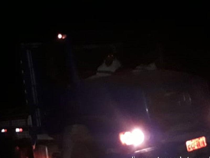 Livramento: Caminhão cai em vala às margens da BA-148