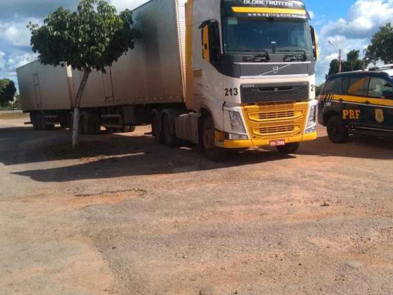 Carga de derivados de leite avaliada em 1 milhão de reais é recuperada pela Polícia na BR-116