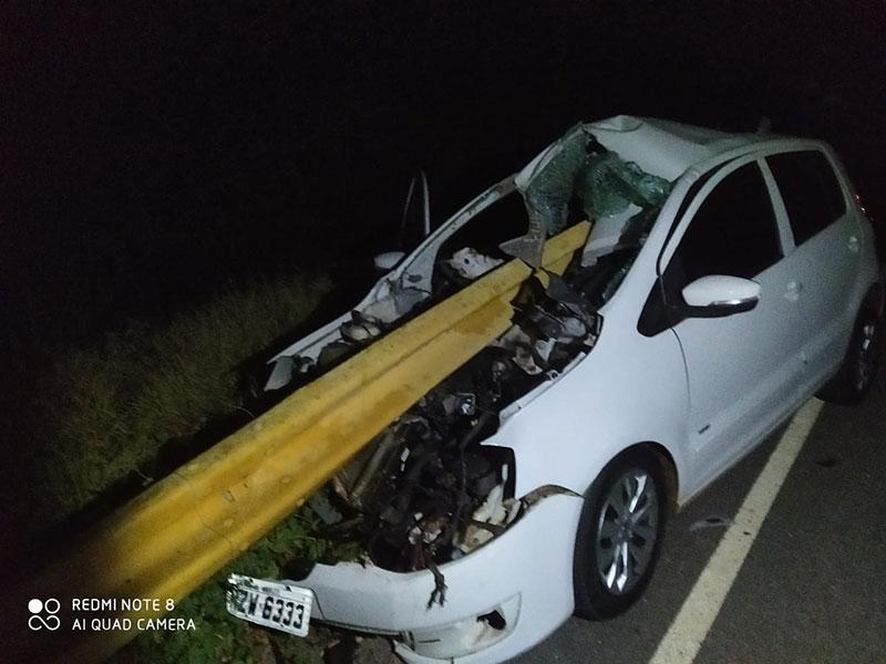 Acidente envolvendo carro de passeio deixa duas pessoas feridas na BA-148 entre Dom Basílio e Brumado