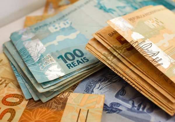 Governo central tem déficit primário de R$ 18,2 bilhões em fevereiro