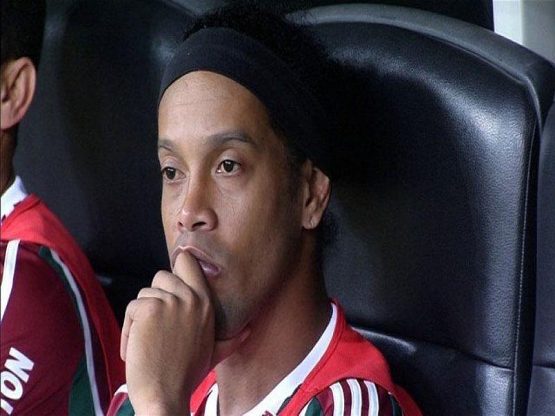 Justiça nega recurso e mantém apreensão de passaporte de Ronaldinho Gaucho; entenda