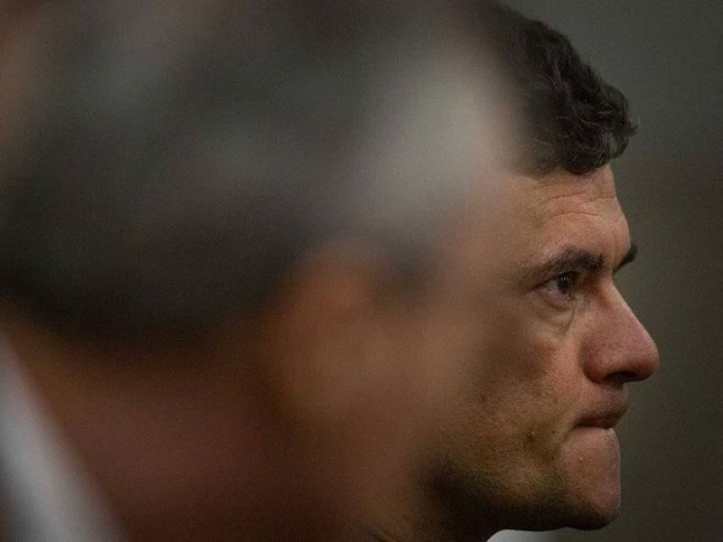 Moro defende diretor da PF, cita avanços e admite 'reveses' no combate à corrupção