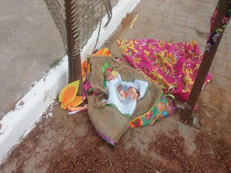 Livramento: Vândalos destroem ornamentação junina e furta objetos no Bairro Estocada