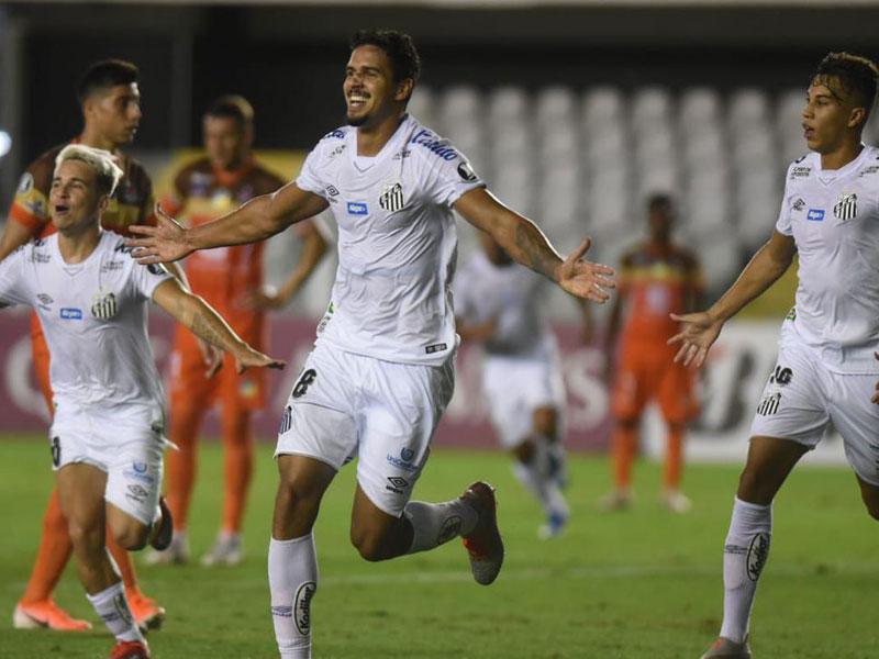 Libertadores: Santos vence e mantém liderança no grupo