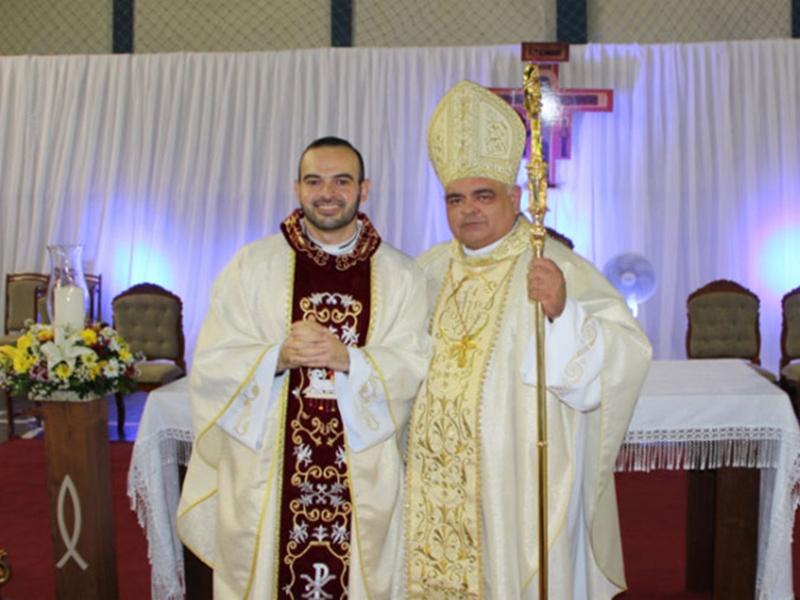 Brumado: Com ginásio lotado, diácono Ícaro Vinícius é ordenado padre